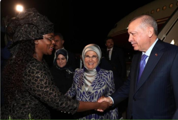 Macky sall S'abstient d'accueillir Erdogan à son arrivée